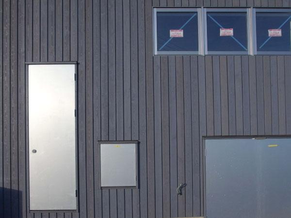 ヤマショー 薪ストーブショールーム 安曇野市 建築家 建築設計事務所 店舗設計 現場監理 カラマツT&Tパネル