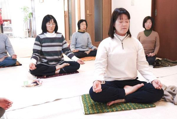 ハタ・ヨーガ 研究科 教師養成  瞑想 呼吸法