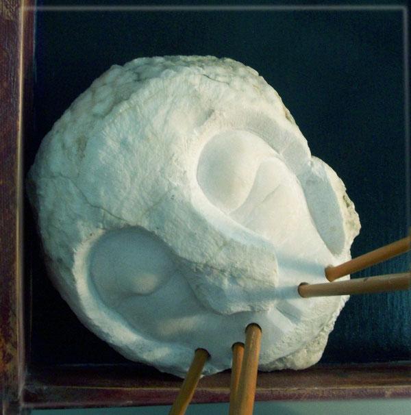alabastro, talla en piedra, grabado, instalacíon