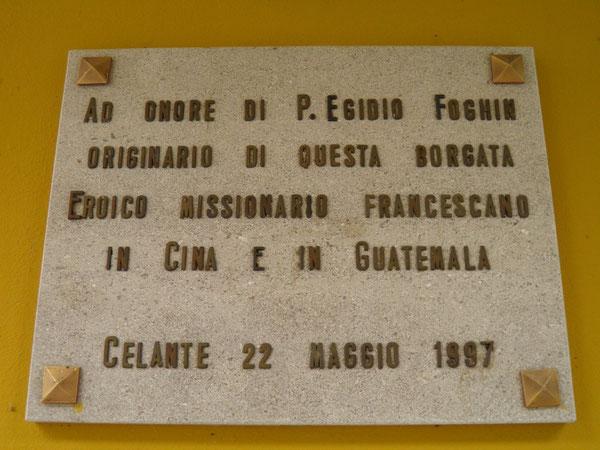 La targa a Celante di Vito d'Asio citata nella pubblicazione.