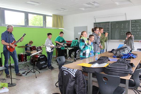 Die Rock-AG probt für den Hessentagsauftritt