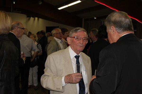 Notre ami Antoine ANDRADE en conversation avec Jean GUTIERREZ