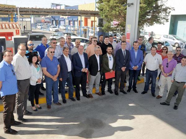 Sánchez y Ballesta apoyan al sector del taxi y apuestan por su modernización
