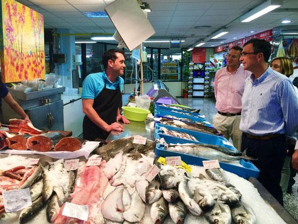 Ballesta apuesta por convertir las plazas de abastos en puntos de referencia de la gastronomía murciana