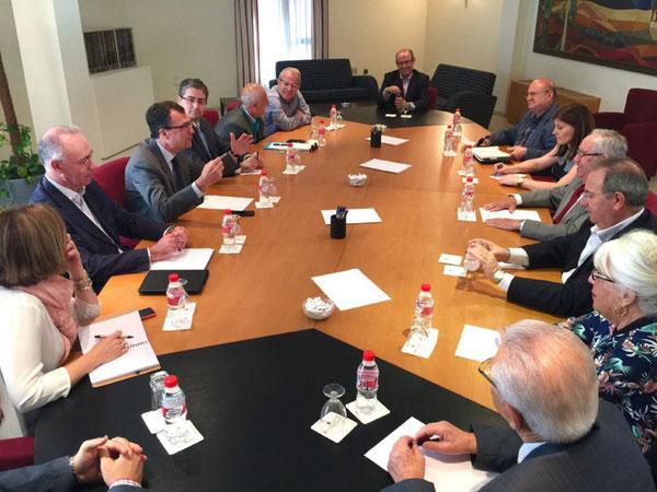 Ballesta apoyará la internacionalización de la empresa murciana en colaboración con la Cámara de Comercio