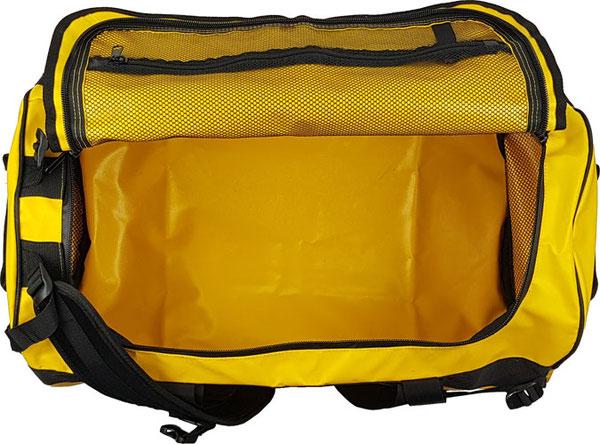 Innenansicht Sport-Reisetasche Outdoor: kein Innenfutter, 3 Netzfächer