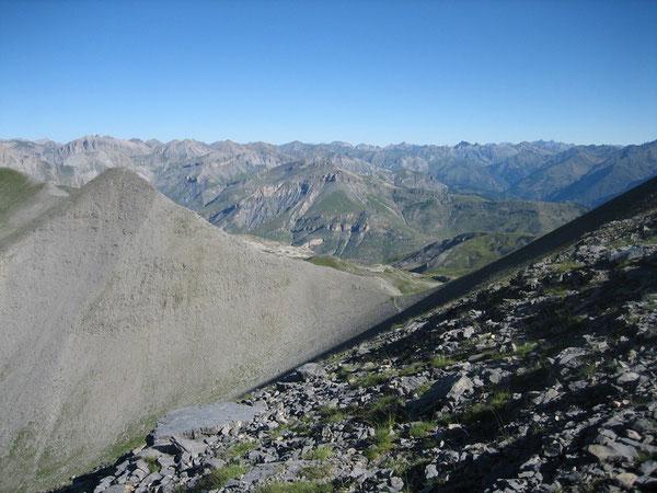 Montagne de l'Alpe à gauche et col de Croussette depuis la stèle Valette