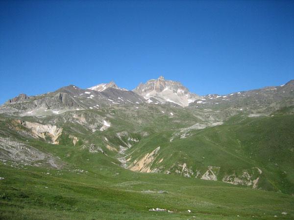 Le Cheval Blanc et le Mont Thabor