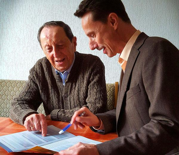 RAUM Seniorenpflege bei persönlichem Gespräch vor Ort