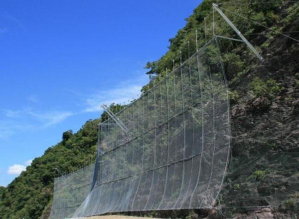 高エネルギー吸収型落石防護網工 ロングスパン