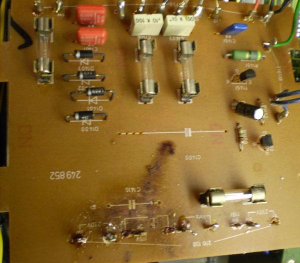 Trafoanschlussplatte Brandrückstände