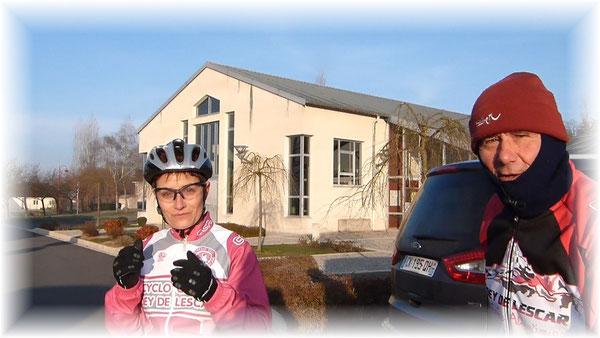 Sylvie et Christian: deux fidèles du CCPL parmi une bonne trentaine de cyclos présents ce dimanche matin.