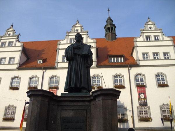 Standbeeld Maarten Luther op marktplein