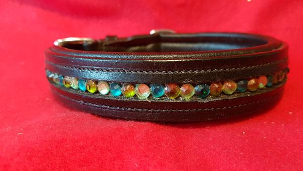 Leder-Hundehalsband mit farbigen Straßsteinen