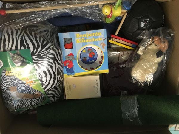 Katzen-Sitzsack, Kindergeschirr, Duft-Sachets und diverses Kinder Spielzeug