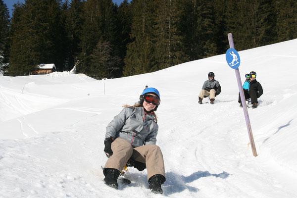 Schlitteln Gruppenevent Schlittelpiste Schlittelweg Schnee