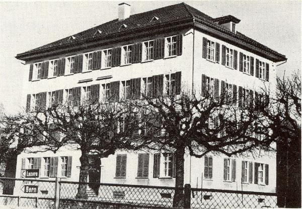 Das Krienser Dorfschulhaus (Fotodatum unbekannt)