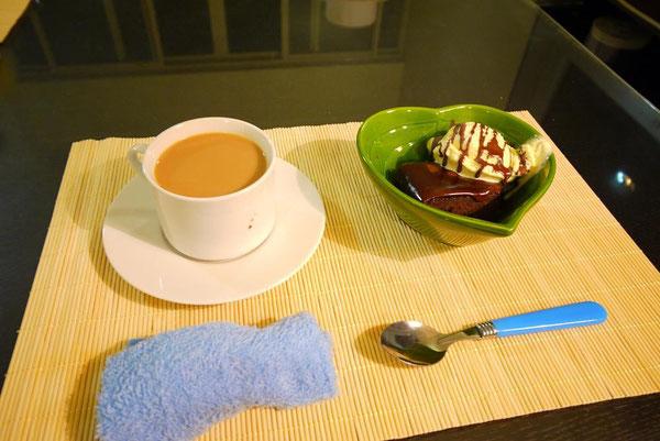 cafe しーちゃん♥ アイリッシュクリームコーヒー&ふわとろチョコマッドケーキバニラアイス。