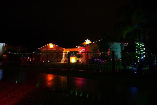 まずは3位。郊外はKanimbla。屋根の大きなスターがキュート。