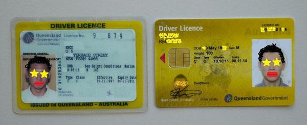 左側が古い免許証、右側が新しい免許証。