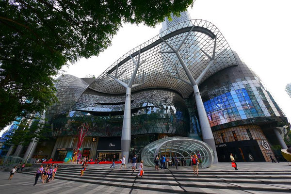 ION(アイオン)は去年新しくできた日本色が濃い巨大ショッピングモール。
