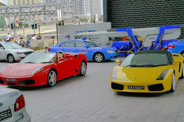 フェラーリとランボルギーニ。この2台でハーフミリオンは余裕で超えるね。