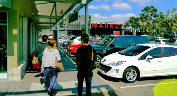 え?輸入車専用駐車場?みたいな感じ。