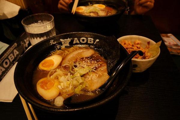 第3位は、シンガポールで食べた「北海道あおばラーメン」