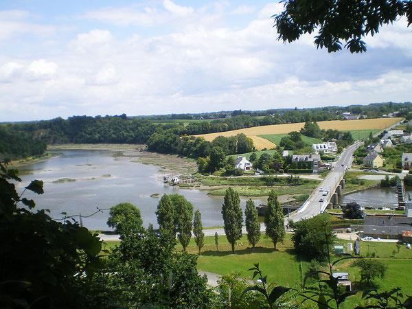 Le pont de Lyvet entre la Rance maritime et fluviale