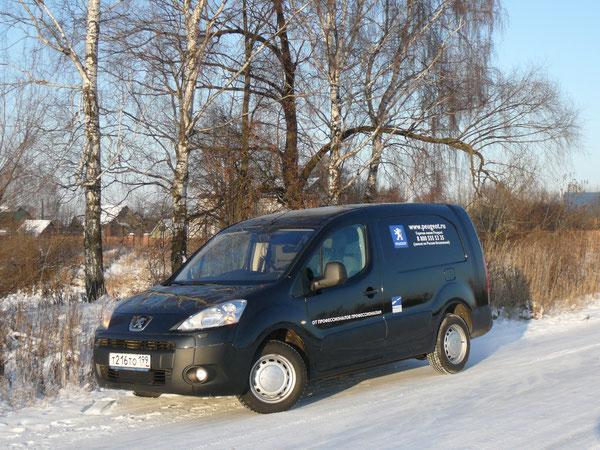 """Производитель: PSA de Vigo (Испания). Модель: Peugeot Partner VU L2 Longue. Начало продаж: 2009 г. Автомобиль предоставлен на тест компанией """"Пежо Россия""""."""