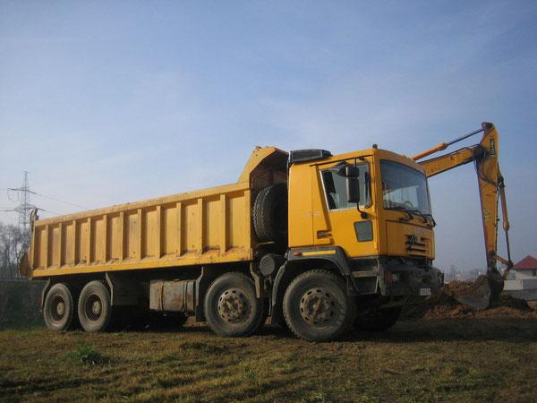 Самосвал Yarovit Gloros A5402D (4352), с колесной формулой 8х6. Минск, ул.Слободская. Октябрь 2011