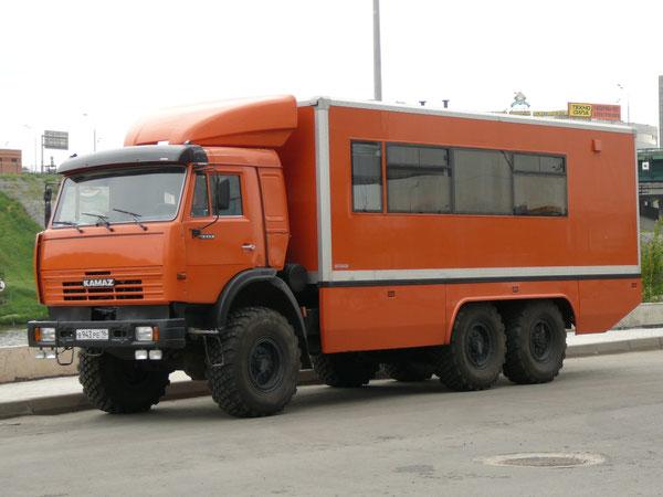 «Автодизайн-Инжиниринг» - дочернее предприятие проектно-производственной фирмы «Автодизайн» из Набережных Челнов. Создано в 2006 году и занимается автомобильной тематикой. Москва, Кроку-Экспо, июнь 2009.