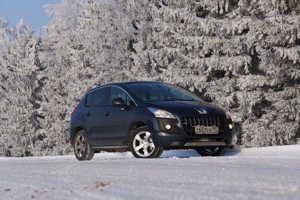 """Псевдокрооссовер Peugeot 3008. Трасса М1 """"Москва - Минск"""". 18/02/2012"""