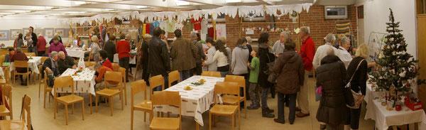 Hetzendorfer Adventmarkt im Pfarrsaal - Begegnungen und weihnachtliches Bummeln