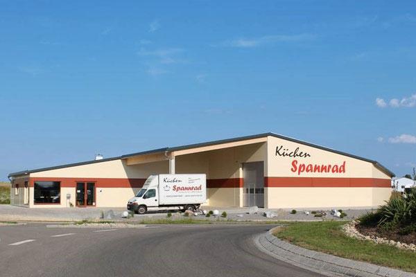 Gebäude Firmensitz Küchen Spannrad - Langquaid