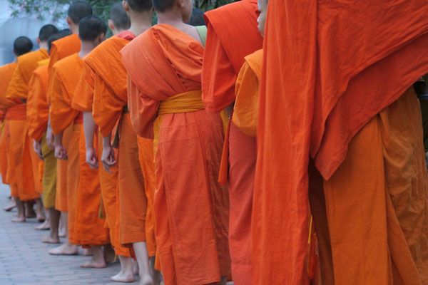 Le défilé des moines.