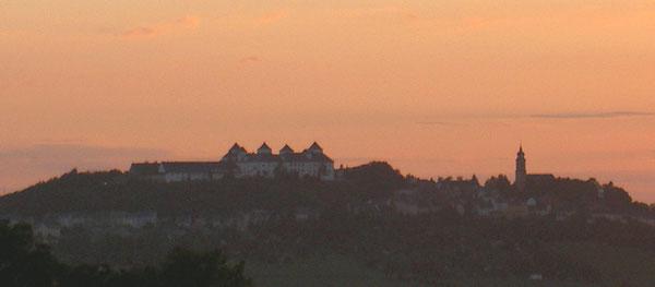 Burg im Abendrot