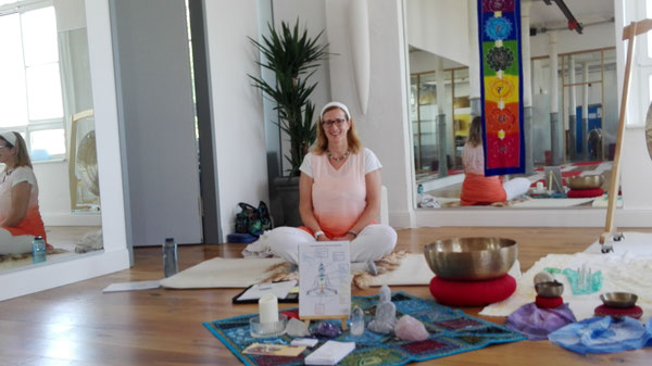 Yoga & Klang, blaue Stunde in Fulda, April 2018
