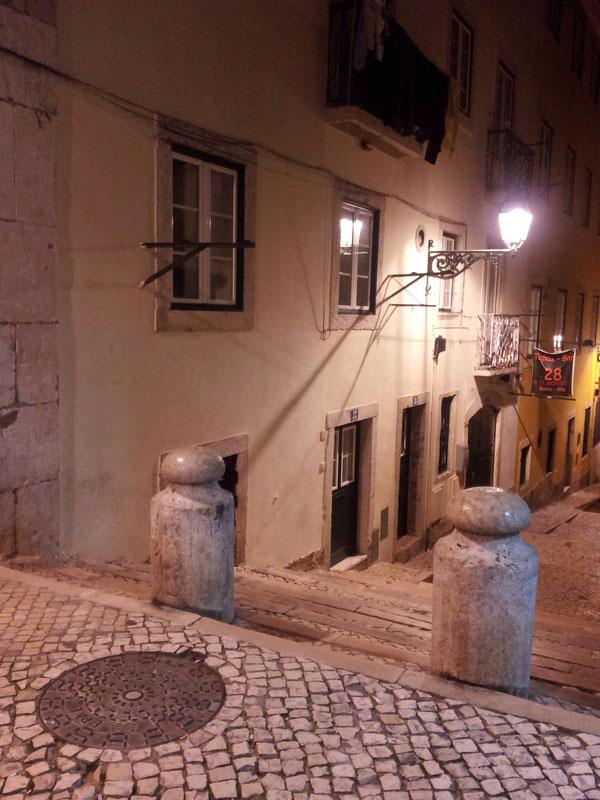 Intimidad, calma, y silencio. Barrio Alto. Lisboa
