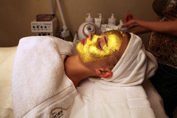99.99%Pure Gold Facial