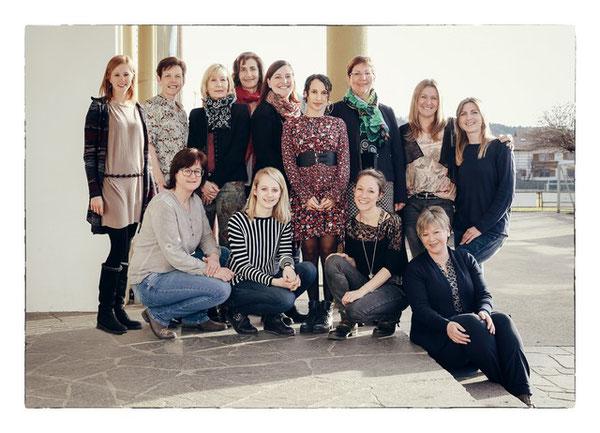 2016/17: Alle Lehrerinnen der Volksschule Niederndorf