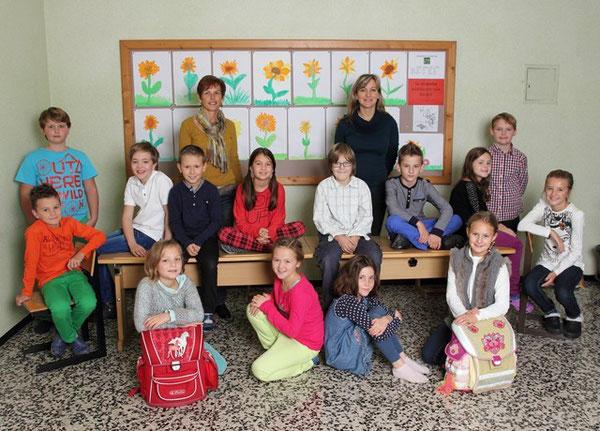 Klasse 4b mit ihren Lehrerinnen Marianne Mair und Maria Funk
