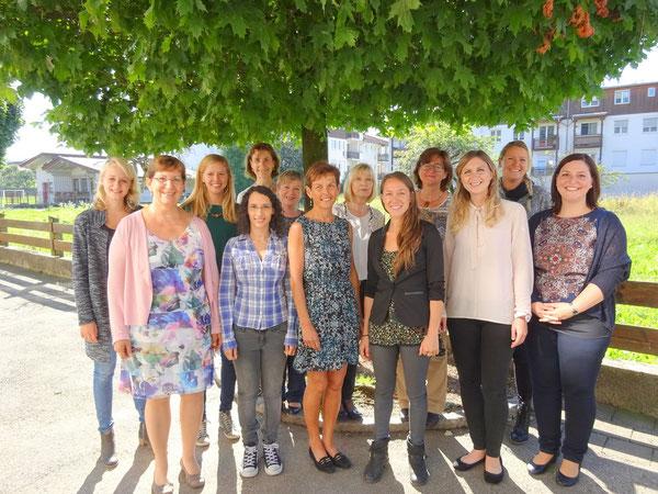 Alle Lehrerinnen der Volksschule Niederndorf