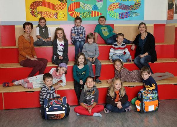 Klasse 3a mit ihren Lehrerinnen Mair Marianne und Funk Maria