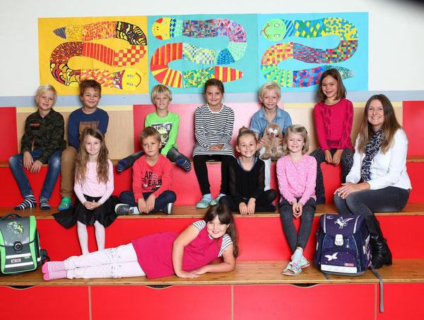 Klasse 2a mit Klassenlehrerin Tanja Aschenbrenner Giacchino