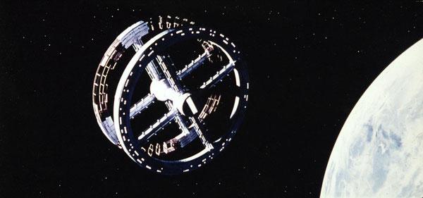 """""""Una señal en el cielo que era como entre verde y colorado, y redonda como rueda de carreta"""", en la 'Historia verdadera...', de Bernal Díaz del Castillo. Imagen de '2001, una odisea del espacio', S. Kubrick."""