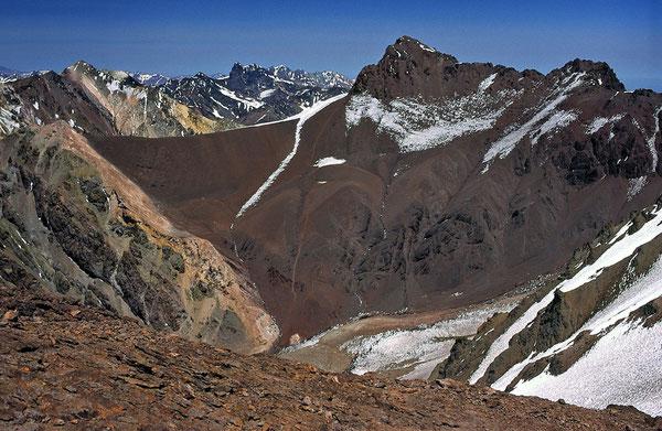 Der Cerro Bonete - ein kleiner Sandhaufen, der immerhin den Mt. Blanc überragt. Hier vom Co. Catedral aus gesehen.