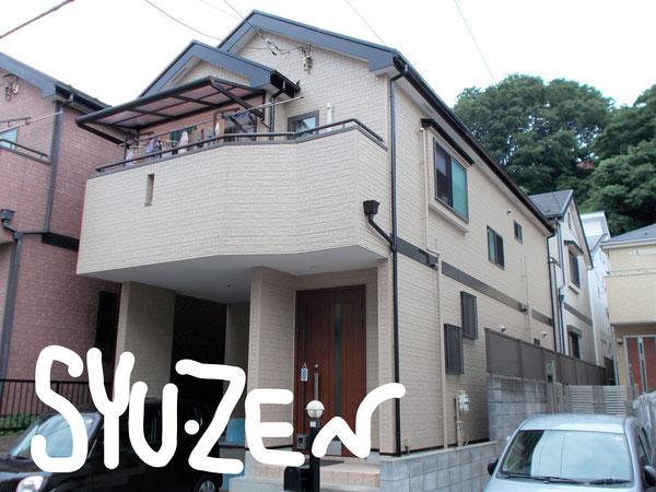 横浜市中区北方町。 金属サイディングの外壁塗装。