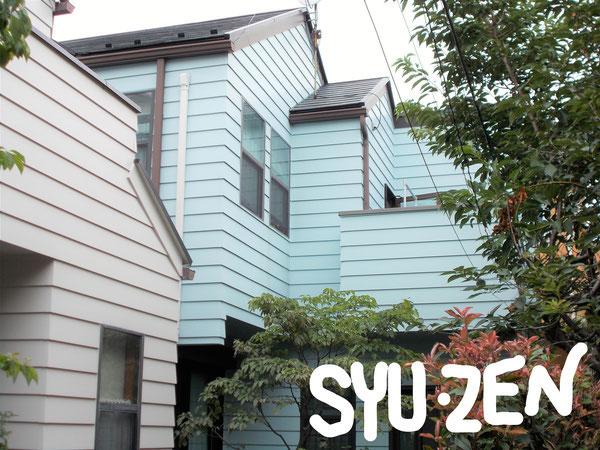 横浜市中区立野。 鮮やかなブルーの外壁塗装。