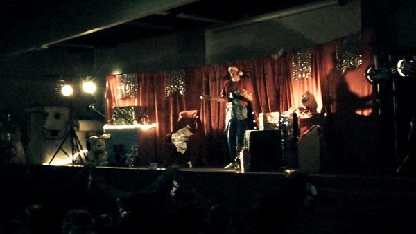 Photo prise l'après-midi du spectacle, le 09 décembre 2011, salle Barcelone, Toulouse Centre
